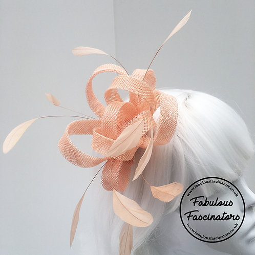 AURES Peach Small Fascinator with Feathers