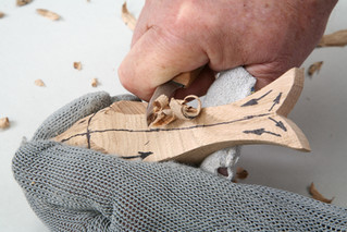 HELPFUL HINTS FOR THE WOODCARVER