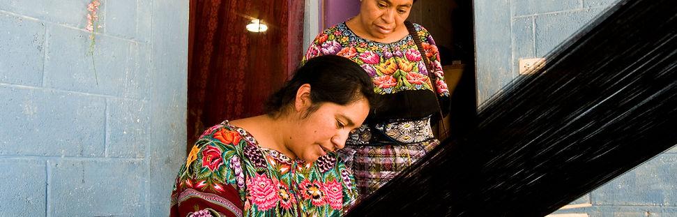 Corazon de Mujer weavers.jpg