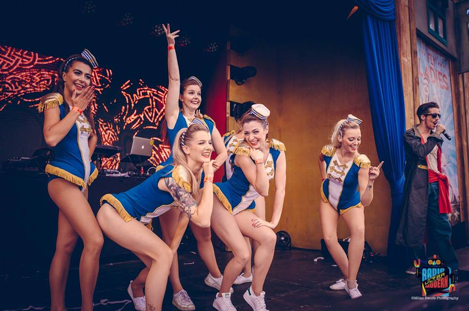 De Retronettes - Tomorrowland