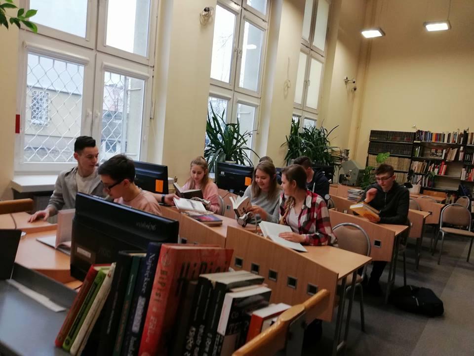 Z_wizytą_w_WBP_im._J._Piłsudskiego_i_EC1_3