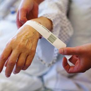 QUAL A IMPORTÂNCIA DE UM BOM SISTEMA DE PULSEIRA HOSPITALAR EM TEMPOS DE HOSPITAIS CHEIOS?