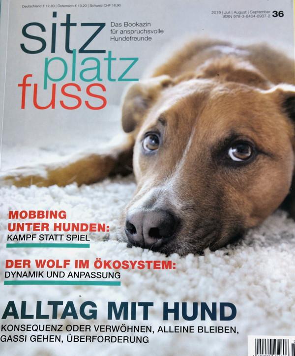 """Hundezeitschrift mit Artikel über """"Menschen für Wölfe"""""""