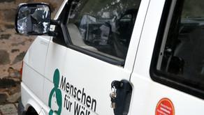 Mutwillig Fahrerspiegel unseres Filmbusses demoliert - Grüße von Wolfshassern?