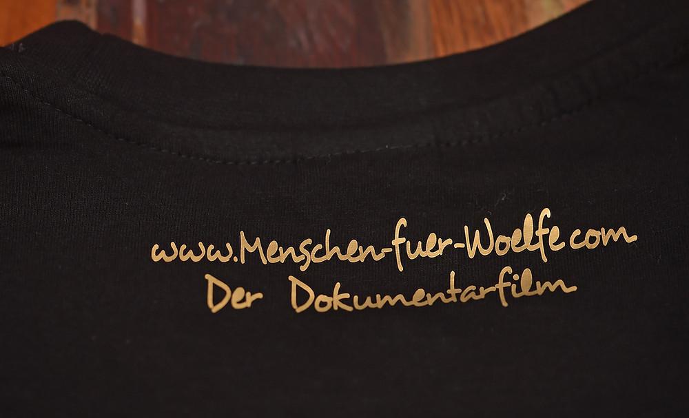 """T-Shirt von """"Mensche für Wölfe"""""""
