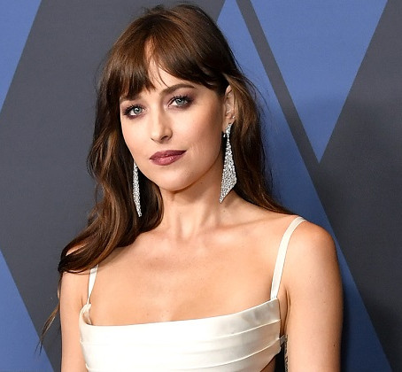 Dakota Johnson Reveals She's Allergic to Limes After Claiming She Loves Them