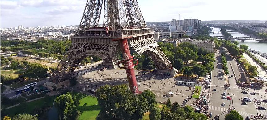 Eiffel_Patte_inachevée_Photmontage_Alenz