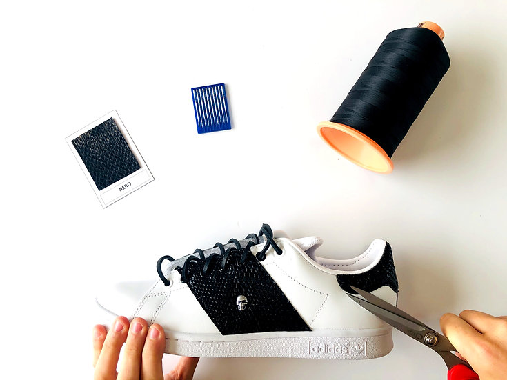 Adidas Stan Smith Man in Black