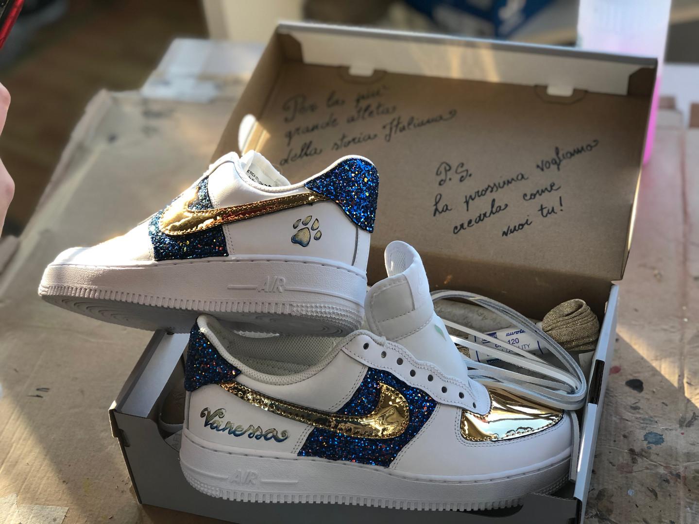 La Nike air Force per Federica Pellegrini con il nome della sua piccola cucciola Vanessa