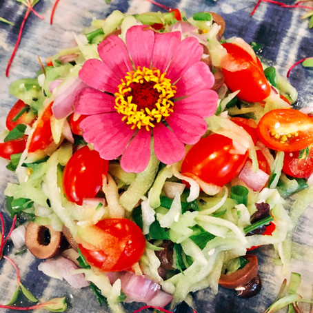 Salada Raw da chef Giovanna Fraga do Rituaali Clínica & Spa
