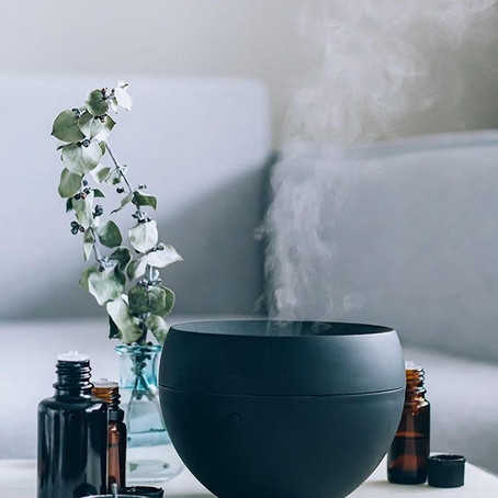 Saiba como fazer limpeza energética da sua casa usando óleos essenciais