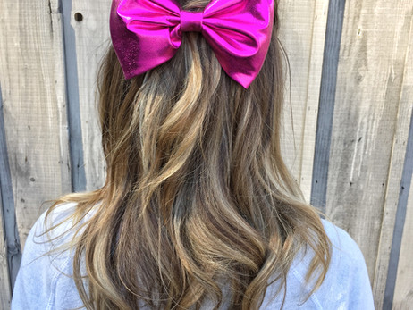 DIY Oversized Hair Bows!