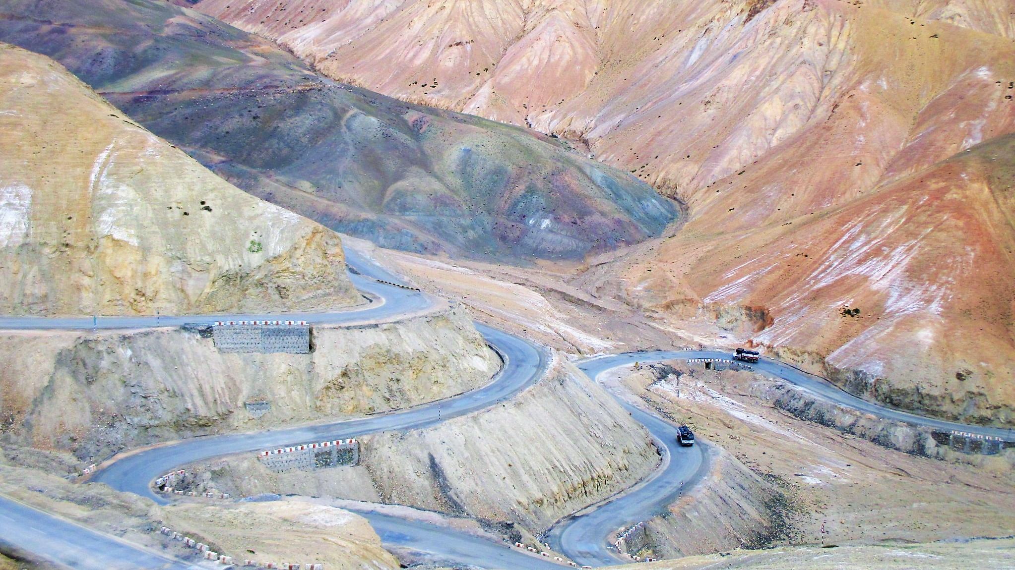 Winding roads to Leh