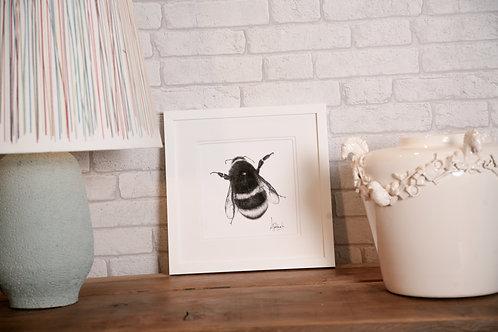 Fuzzy Buble Bee Print