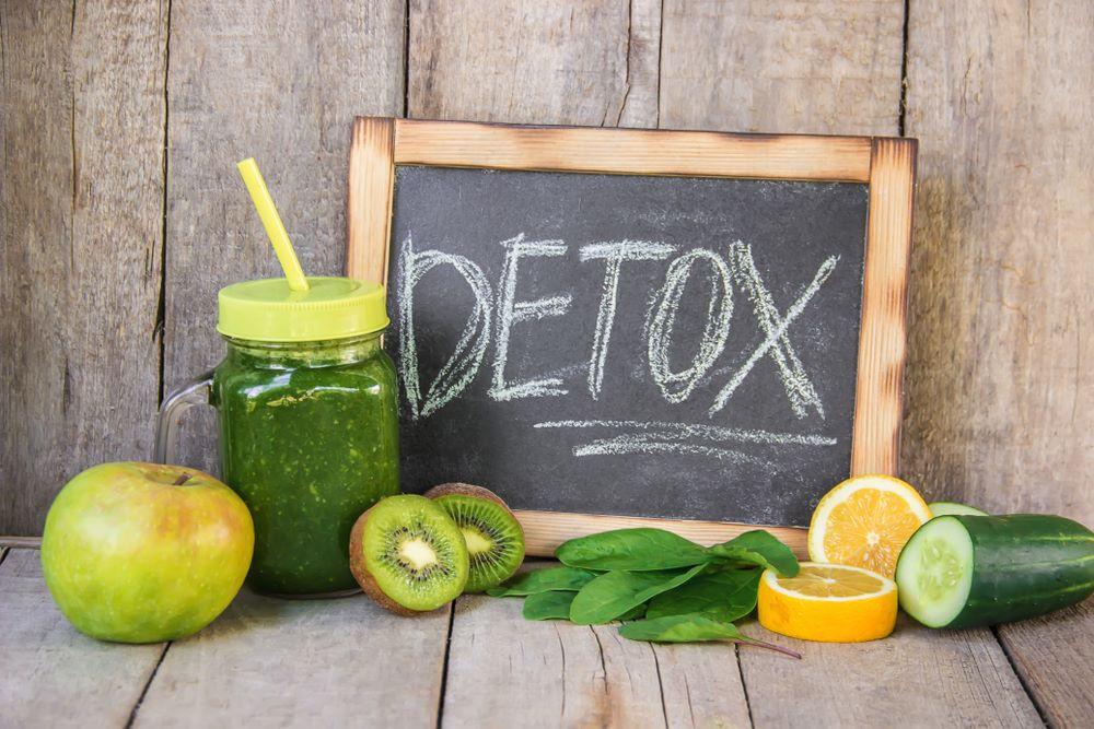 Quais os benefícios do suco detox? Farmácia de Manipulação Nova Vida em Uberlândia