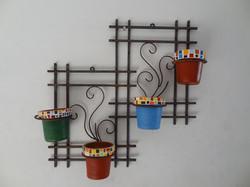arranjo de ferro para parede