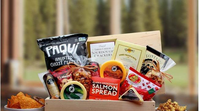 Gift Basket Associates 820772 Macho Munchies Crate