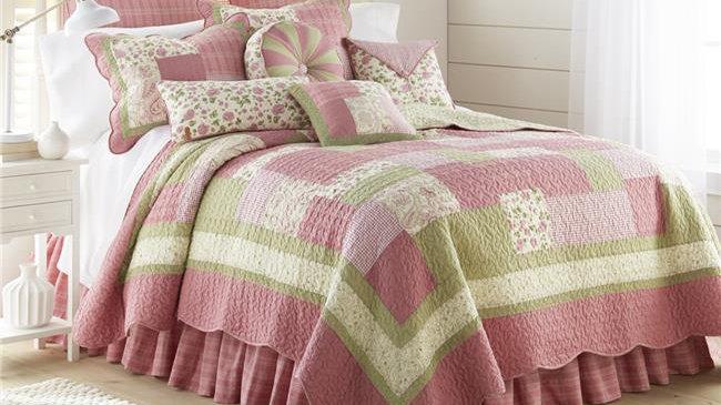 American Heritage Textiles Bashful Rose 3 Piece Cotton Quilt Set; King Size