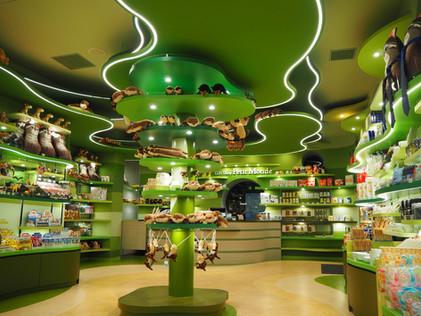 【福岡市動植物園内「Gift Shop Petit Monde」が『日本空間デザイン賞2019』で入選しました!】