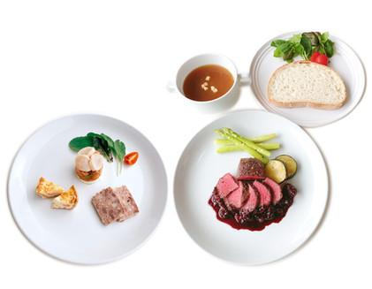 【福岡市動植物園内「café Rassembler(カフェラソンブレ)」では、1周年記念メニューが登場します!】