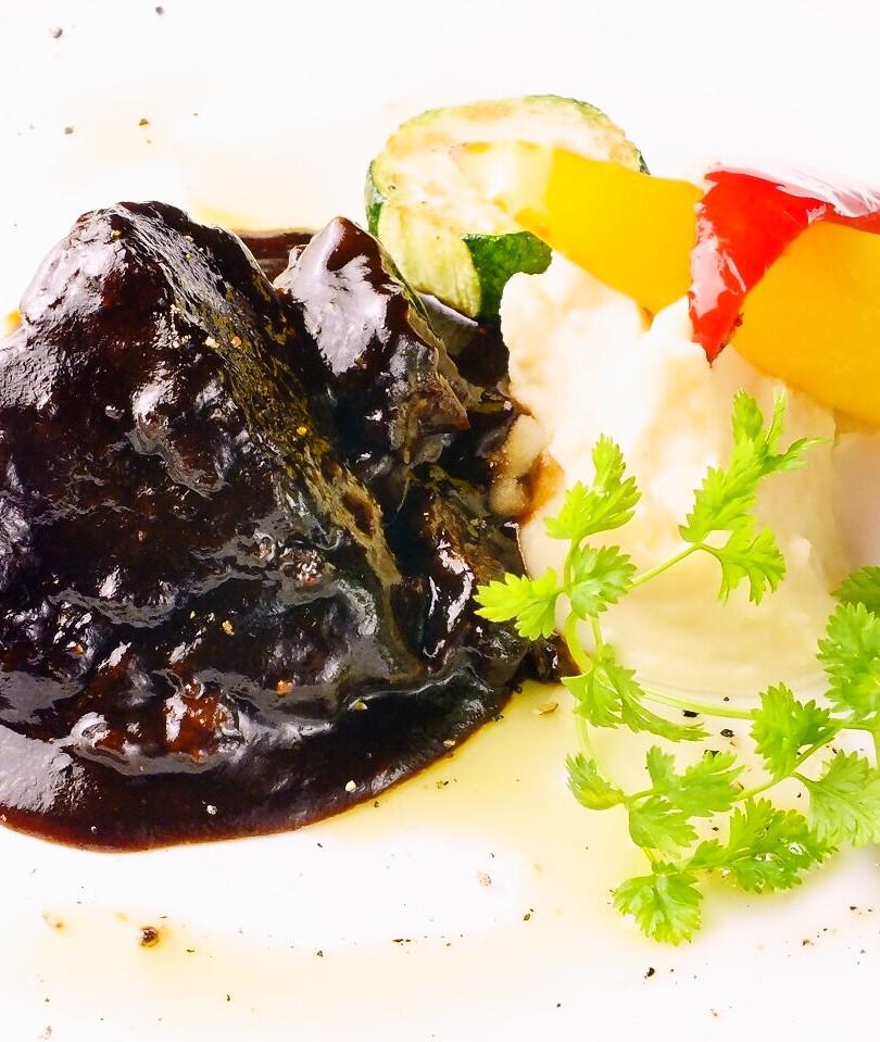 牛ほほ肉の赤ワイン煮込み デミグラスソース ¥1400