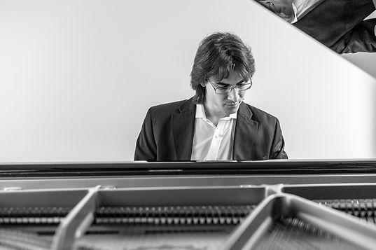 Uriel Pascucci, Klavier