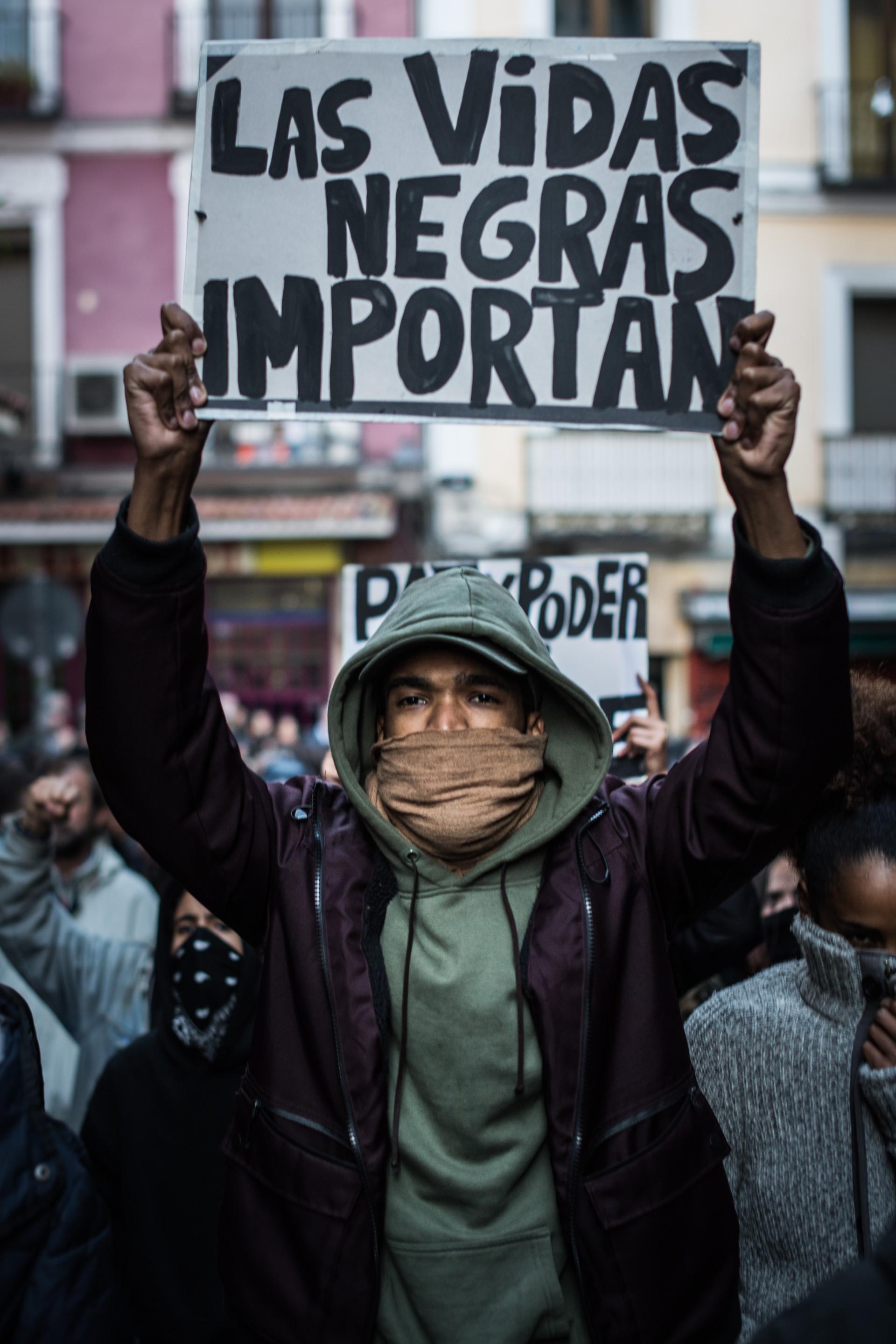 Protesta por la muerte del mantero Mame Mbaye