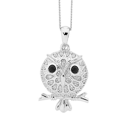 Wide eyed Owl Pendant - p746