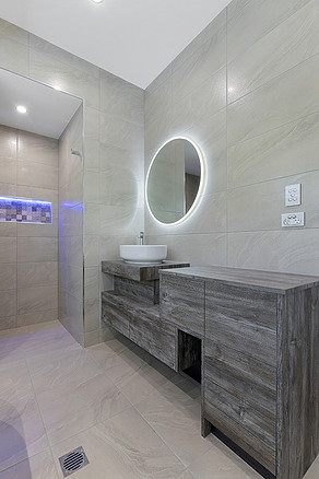 Residential_New Homes_Specialist bathroom lighting_Steve Knight Builders