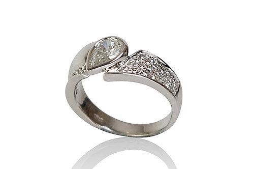 Pear Shape Diamond Cut 18ct White Gold Ring