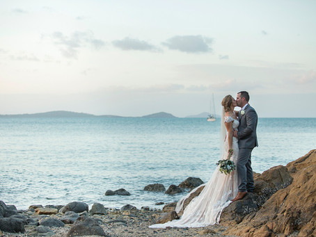 Erin and Stephen - Glamour Comes To Coral Sea!