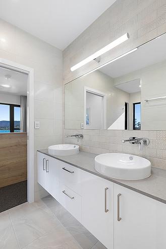 Residential_New Homes_bathroom lighting_Steve Knight Builders