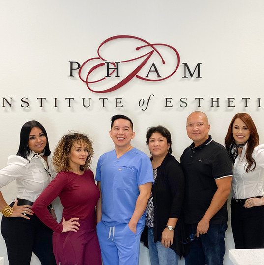 Our Surgeon & Staff