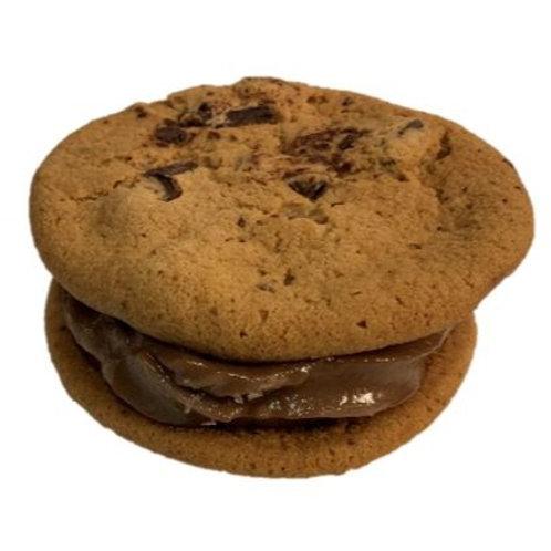 Cookies N' Cream Cookie Sandwich