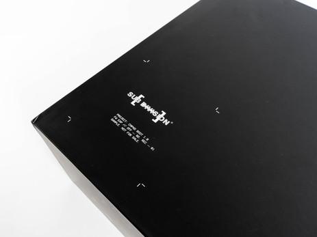 Asymmetrical Box Main Graphic