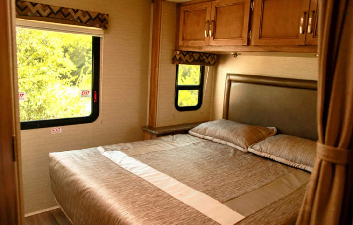 RV Rental Jayco Redhawk Bedroom