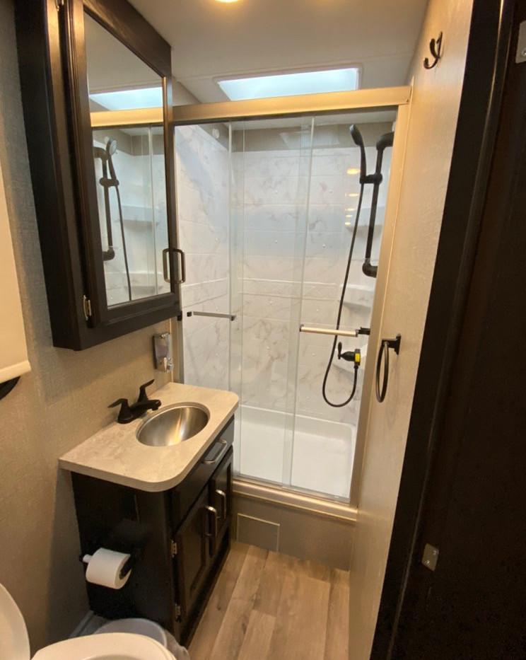 RV Rental Jayco Redhawk Bathroom