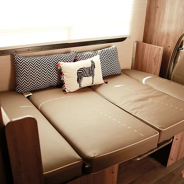 RV Rental Jayco Redhawk Bed