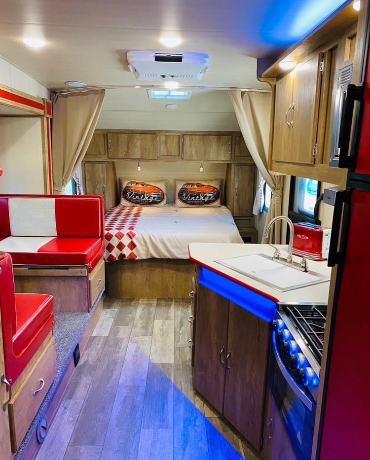 RV Rental Gulfstream Vintage