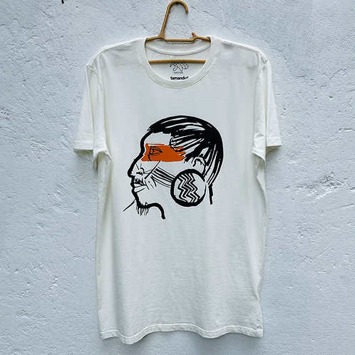 Camiseta indígena por Édson Ikê
