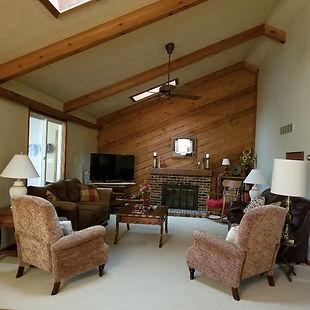 276 livingroom.jpg