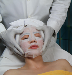 Facial With Peel Off Mask