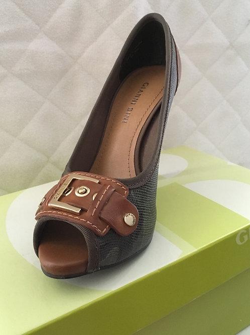 Gianni Bini Platfoam Camouflage Heels