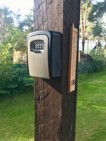 Self-check in is possible at Blue Lake House