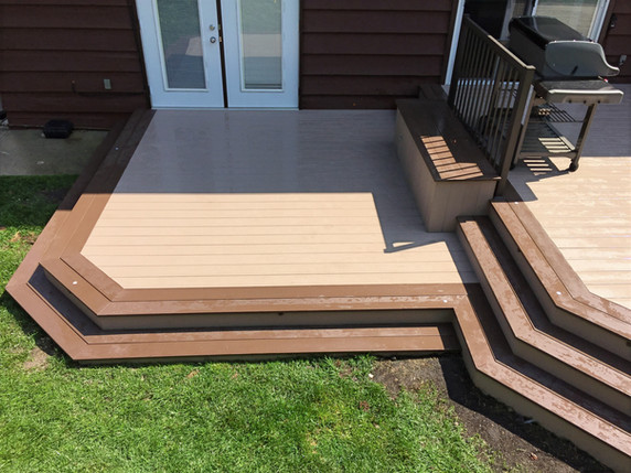 Two-tier composite deck
