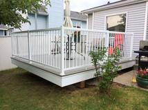 Light gray composite deck