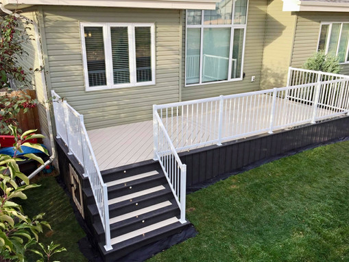 Two toned composite deck