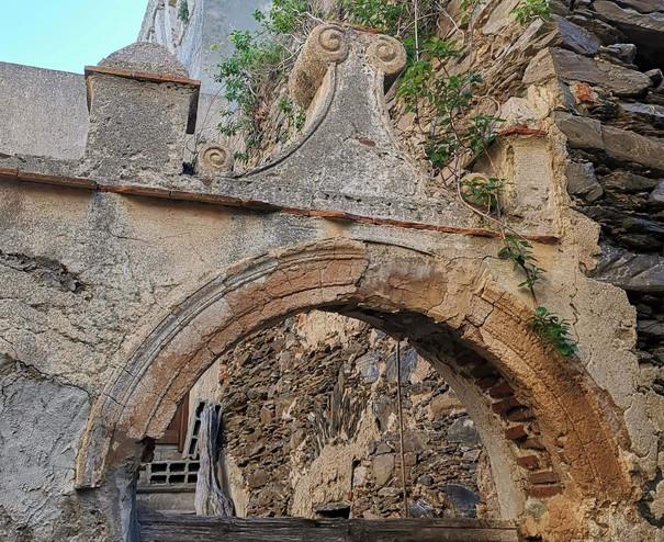 Détail de la tour carrée de Poggio, Tomino