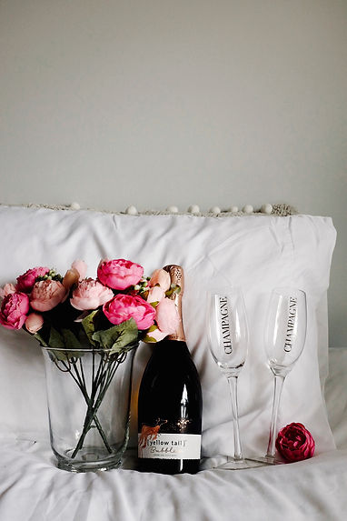 MWC-Champagne and roses.JPG