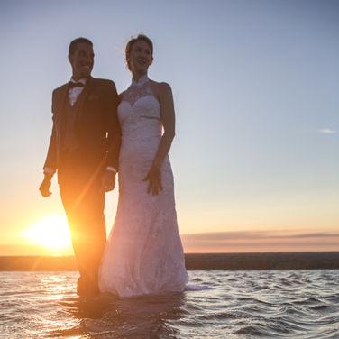 séance apres mariage a la plage.jpg
